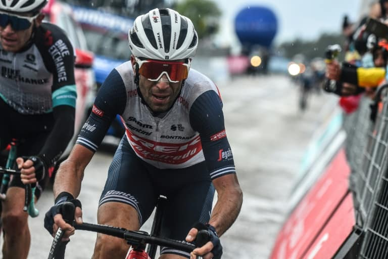Former winner Nibali to have scan after Giro fall